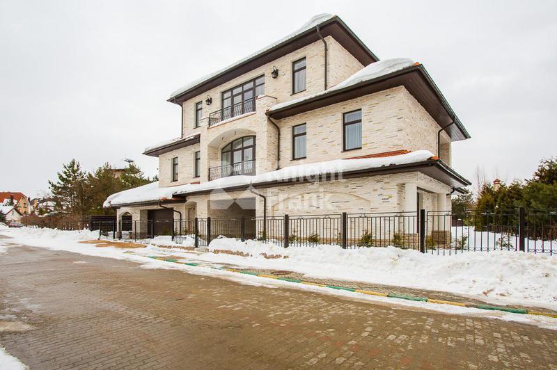 Дом Петровский, id hs1202017, фото 1