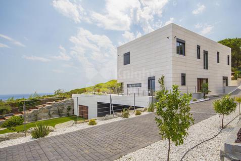 Дом Дом с видом на море в Кабрера-де-Мар, id ir1318, фото 1