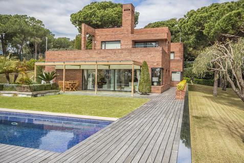Дом Дом с видом на море в Сан-Андрес-де-Льеванерас, id ir1361, фото 1