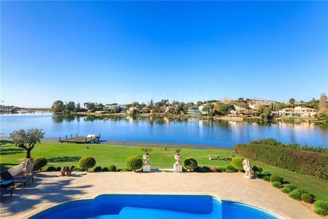Вилла Вилла с видом на озеро, id ir1579, фото 1