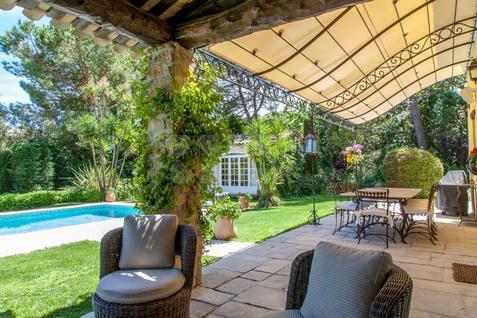 Вилла Вилла в Вальбонн с роскошным садом и бассейном, id ir1645, фото 1