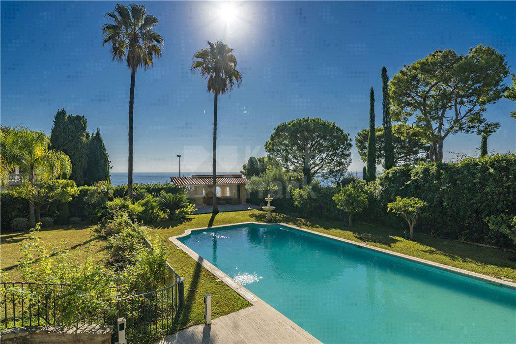Вилла Просторная вилла с видом на море и садом, id ir1646, фото 4