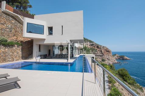 Вилла Современная вилла на побережье в Испании, id ir1740, фото 2