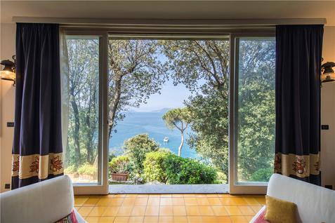 Вилла Вилла с видом на залив в Леричи., id ir794, фото 2