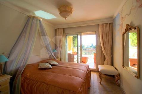 Апартаменты Апартаменты в жилом комплексе на горе La Concha, id ir862, фото 3