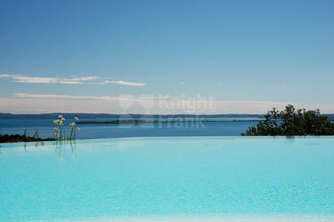 Новостройка Новая резиденция на озере Гарда, id ir942, фото 4