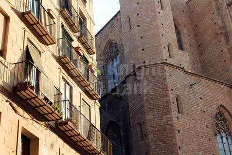 Новостройка Жилой комплекс рядом с собором Санта-Мария-дель-Мар, id ir954, фото 1